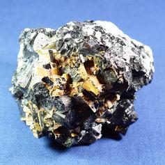 Must turmaliin kvartsis 002