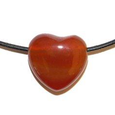 Karneoolist süda, auguga